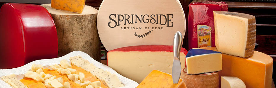 Making rich award-winning Wisconsin cheese.